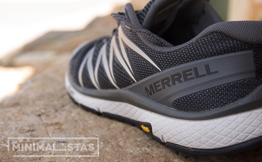 Detalle logotipo Merrell