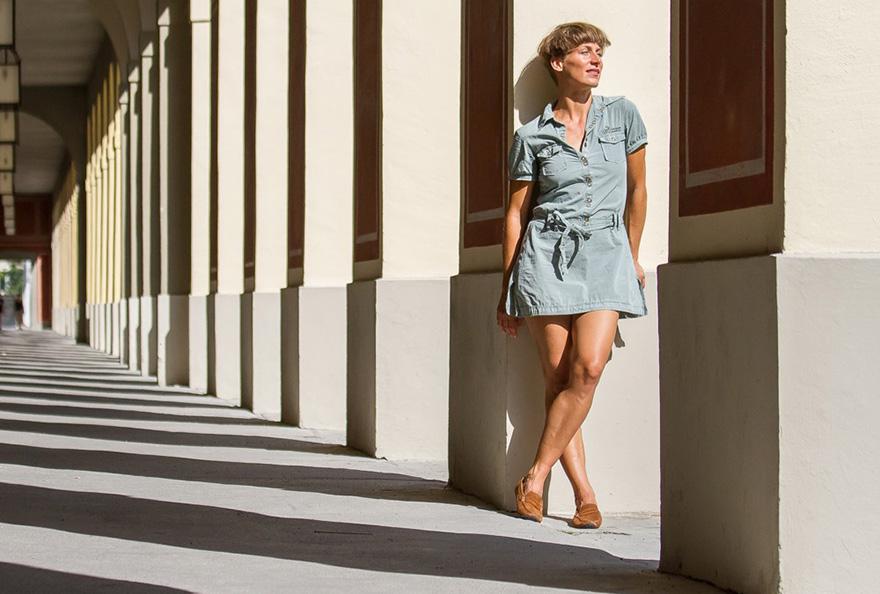 Mujer con Sole Runner Aponi