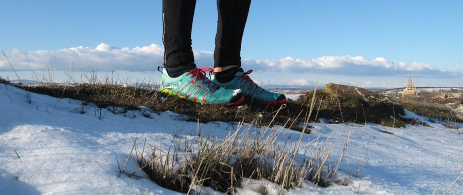 Correr minimalista en montaña