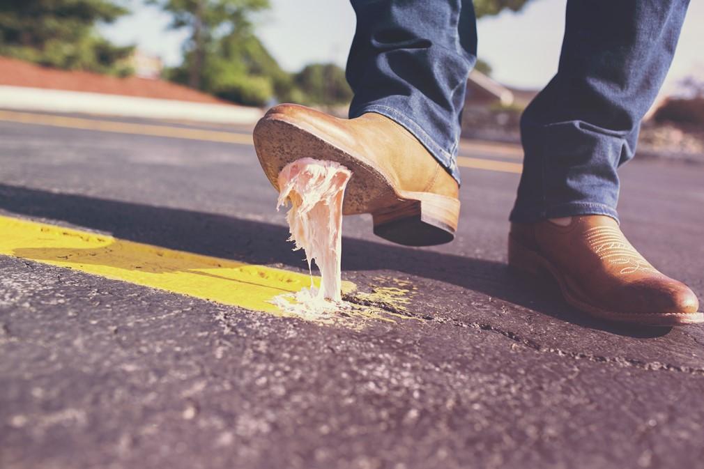 Zapato de hombre con tacón alto