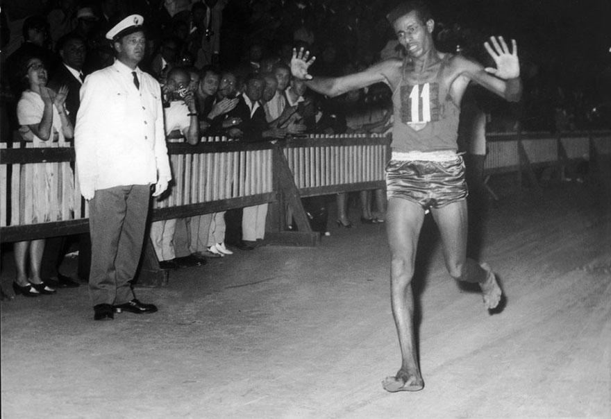 Abebe Bikila descalzo